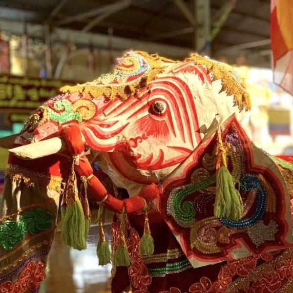 Elefant Koehtatkyee Buddha Image Yangon Myanmar