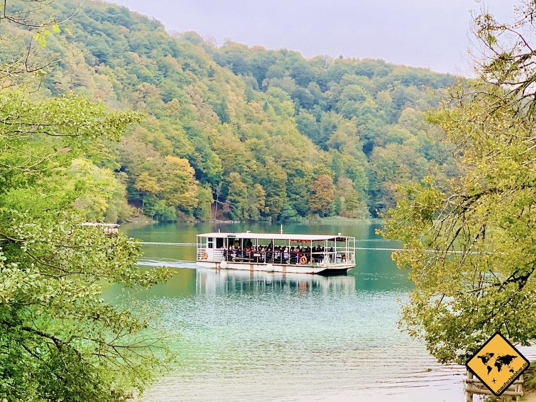 Elektroboot Kozjak See Kroatien