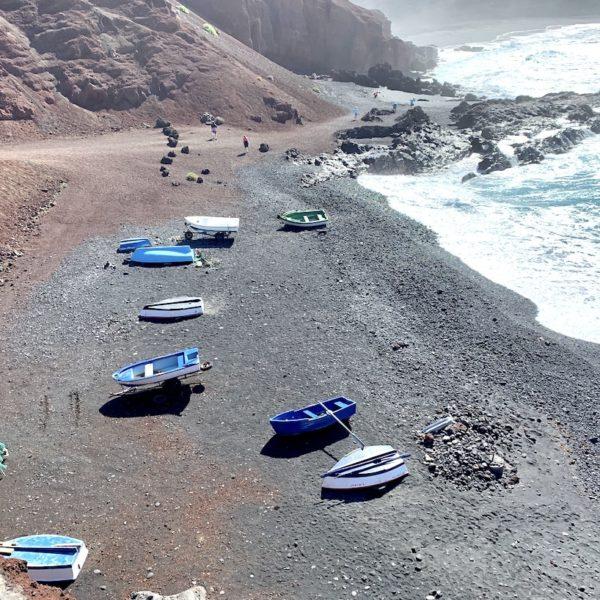 Fischerboote Strand El Golfo Lanzarote