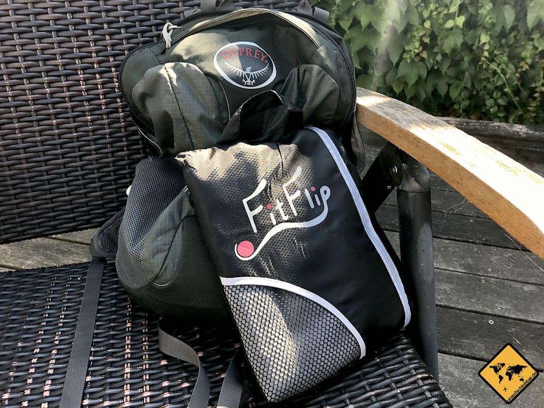 Mikrofaser Handtücher sind leicht und haben ein kleines Packmaß. Dadurch passen sie problemlos in Taschen und Rucksäcke und lassen sich vor allem auf Reisen gut transportieren.