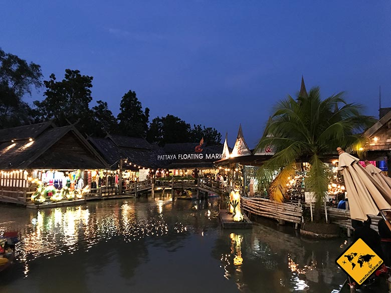 Floating Market Pattaya Abendstimmung