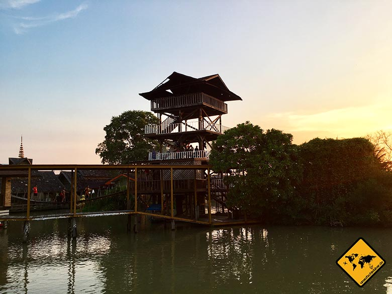 Floating Market Pattaya Ziplining