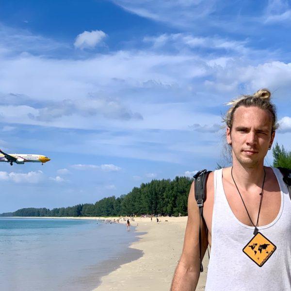 Flugzeug Nai Yang Beach Phuket Einflugschneise