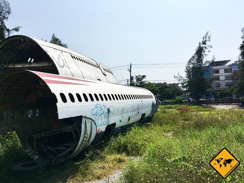 Flugzeugfriedhof Bangkok Zugang hinten