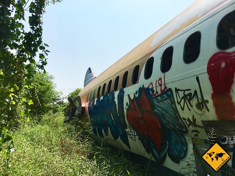Flugzeugfriedhof Bangkok hintere Maschine