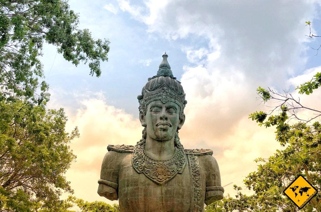 Garuda Wisnu Kencana Cultural Park Statur