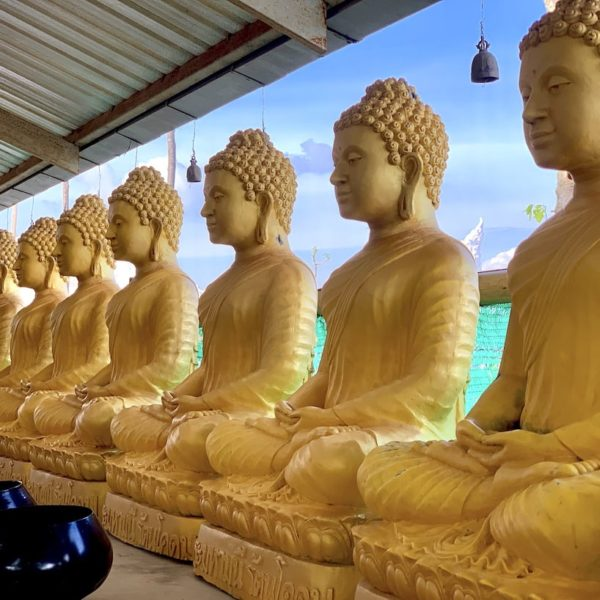 Goldene Figuren Big Buddha Phuket