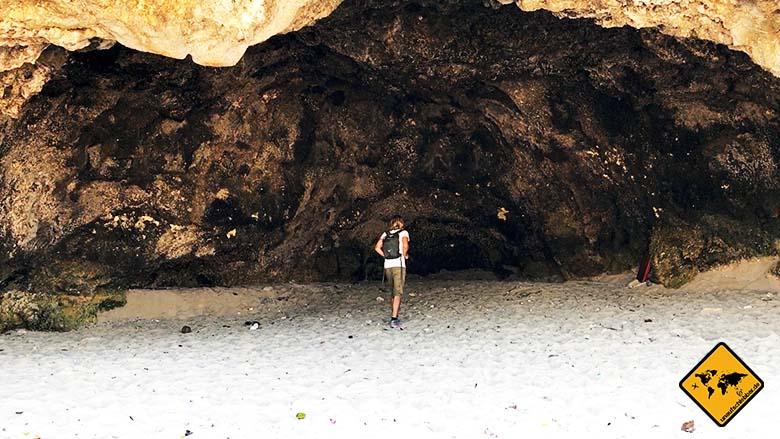 Green Bowl Beach Bali große Höhlen