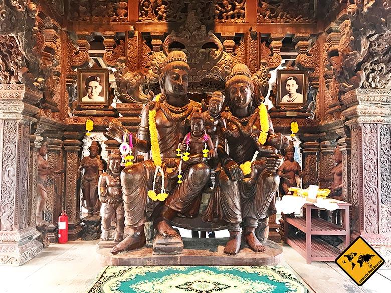 Heiligtum der Wahrheit Ausgang Skulpturen