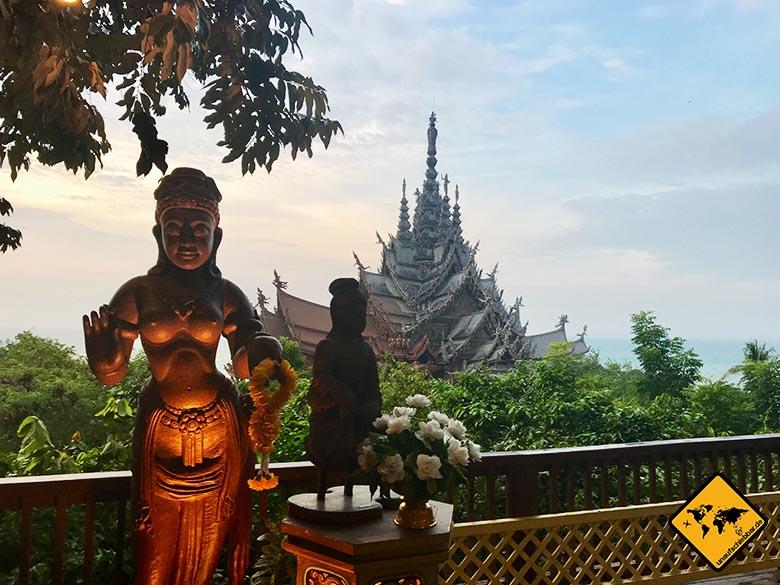 Heiligtum der Wahrheit Thailand Abend