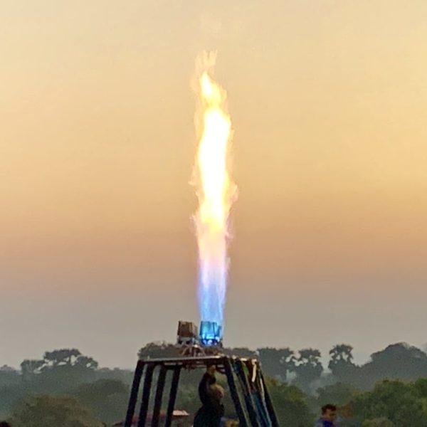 Heißluftballon Bagan Flammen Test