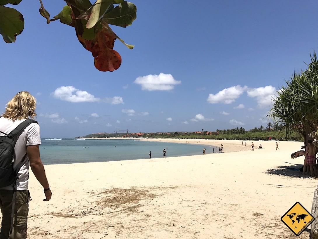 Heller Sandstrand Nusa Dua Bali