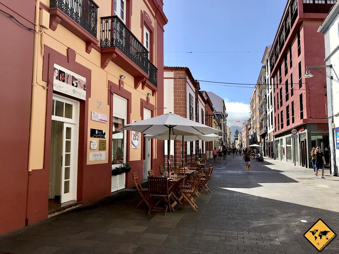 In der historischen Altstadt von San Cristóbal de la Laguna Teneriffa findest du neben vielen Geschäften vor allem Restaurants und Cafés