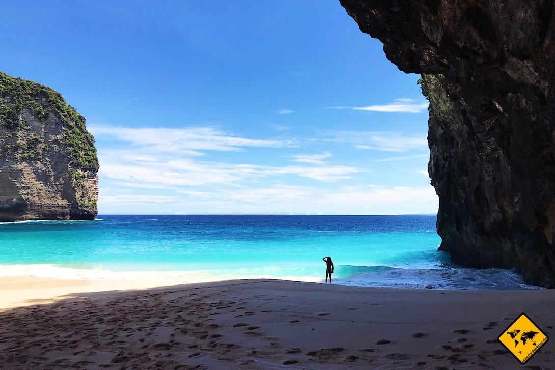 Kelingking Beach Nusa Penida Strand alleine