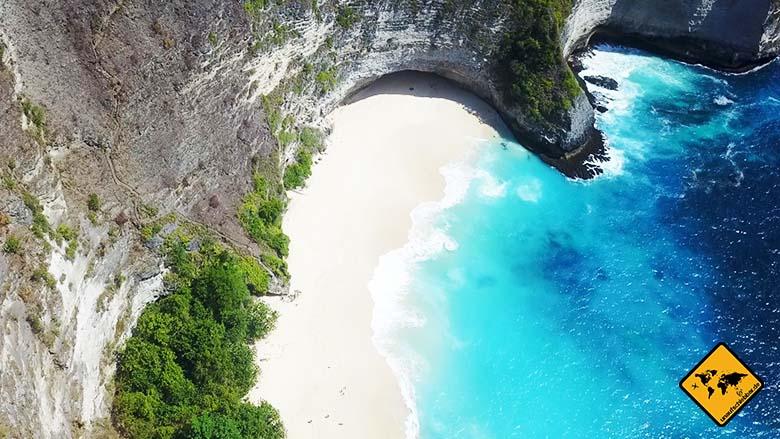 Kelingking Beach Nusa Penida breiter Strand