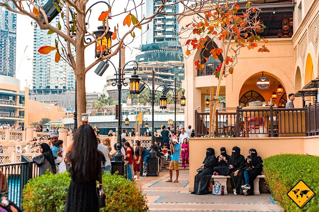Kleidung verschleierte Frauen Vereinigte Arabische Emirate