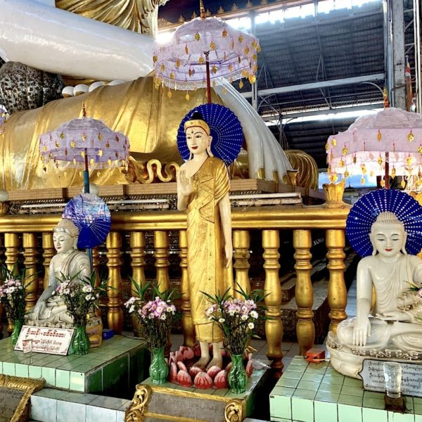 Koehtatkyee Buddha Image Yangon Buddha-Figuren