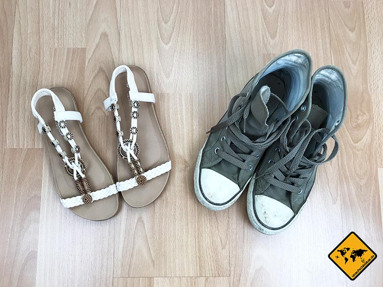 Kofferpackliste Schuhe Frau