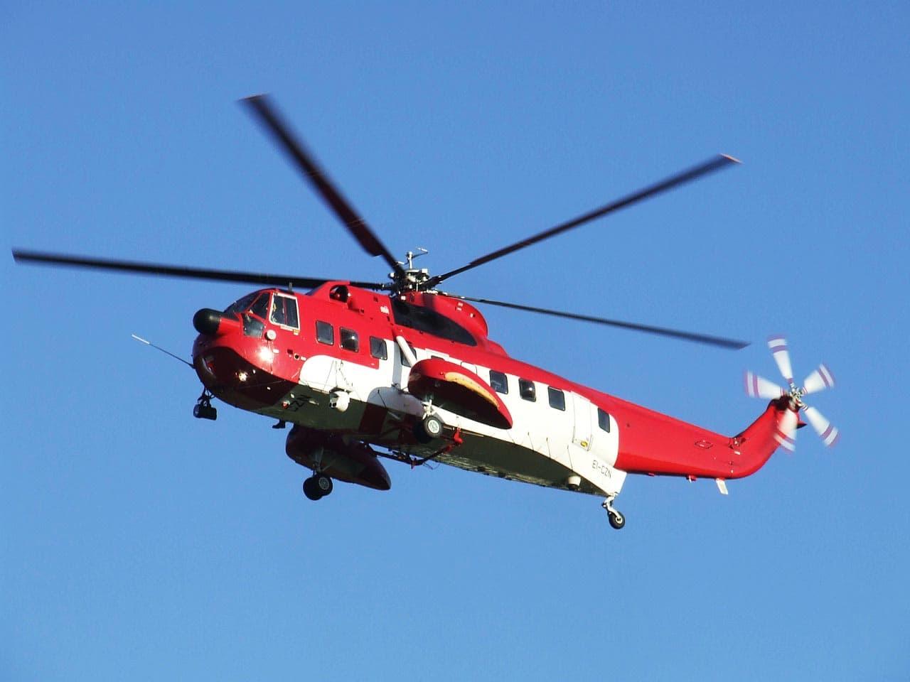Krankenrücktransport aus dem Ausland Ambulanzhubschrauber rot