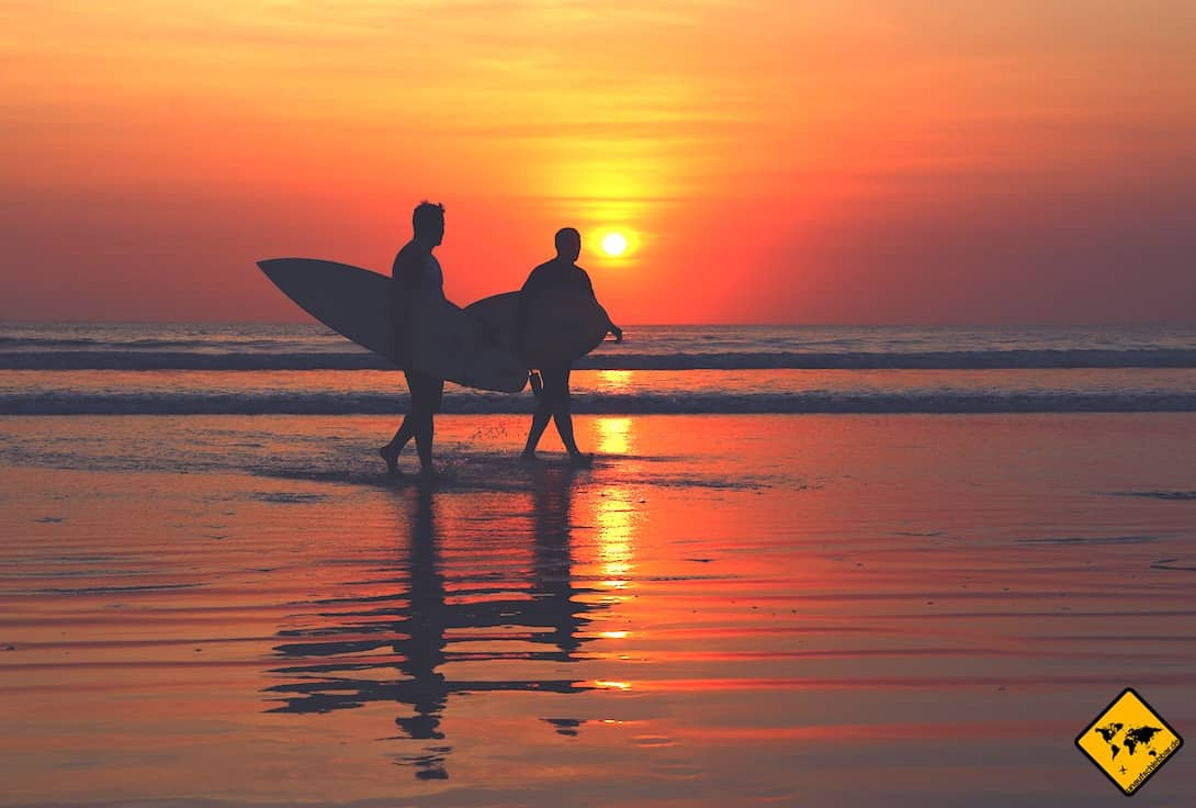 Kuta Bali Surfer Strand Sonnenuntergang