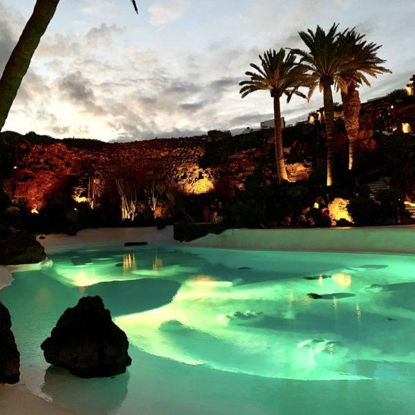 Lanzarote sehenswertes: Der Pool der Jameos del Agua