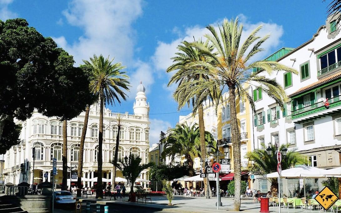 Las Palmas Plaza