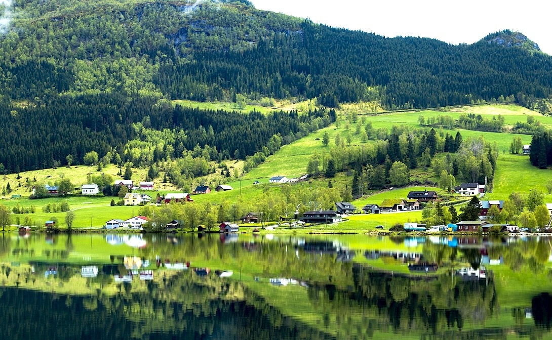 Lofoten Norwegen grüne Natur