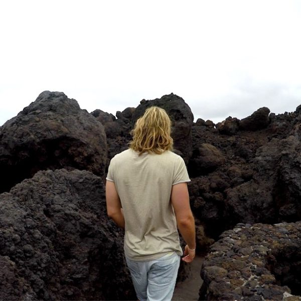 Hier siehst du einen Ausschnitt des Weges, der dich durch die Lavafelder und Felsen von Los Hervideros führt