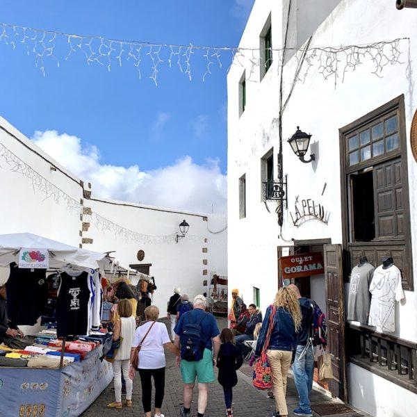 Marktstände Gasse Teguise Lanzarote