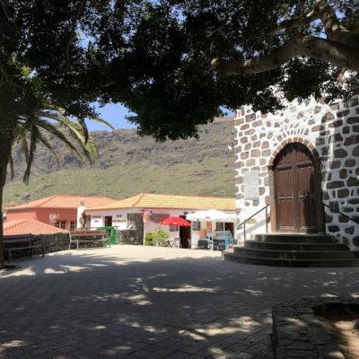 Die Aussichtsplattform in der Masca Schlucht Teneriffa beherbergt auch eine kleine, historische Kapelle