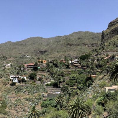 Blick auf das Dorf-Panorama der Masca Schlucht Teneriffa