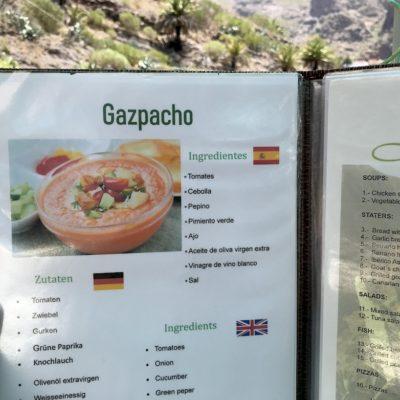 Die Speisekarten in den Restaurants der Masca Schlucht beschreiben das kulinarische Angebot alle auch auf Deutsch