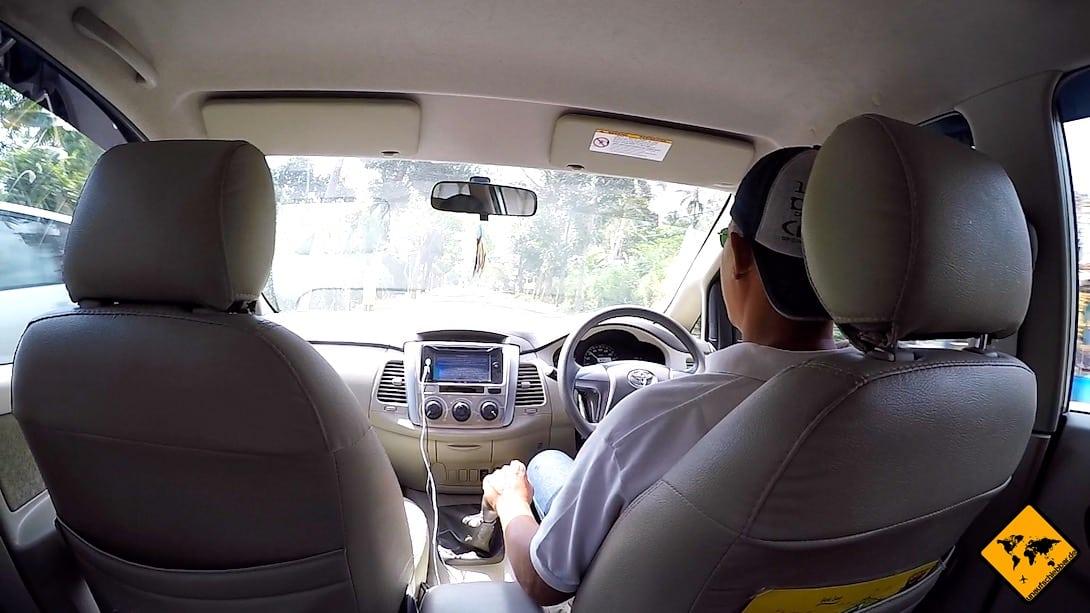 Auf Lombok herrscht ebenso wie auf Bali Linksverkehr, sodass du dich als Fahrer etwas umgewöhnen musst