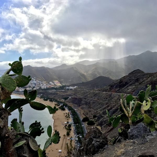 "Blick vom Aussichtspunkt ""Mirador Las Teresitas"" am Rande des Macizo de Anaga"