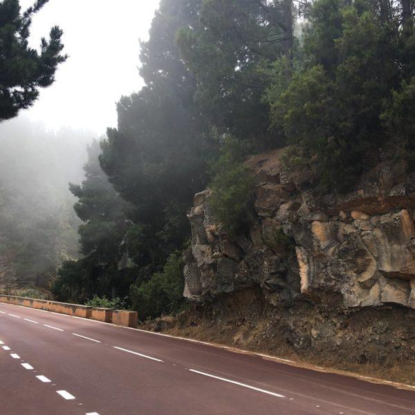 Mirador Piedra La Rosa Teide Nationalpark Strasse Wolken
