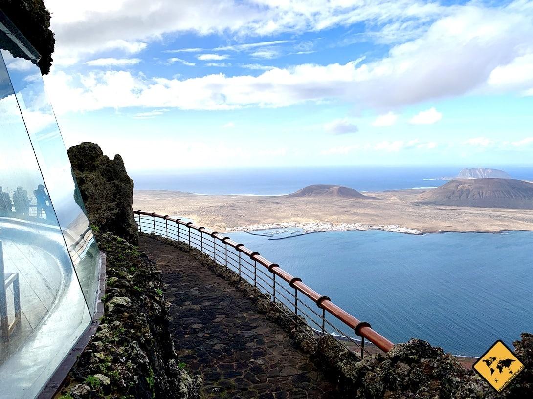 Mirador del Río Aussichtspunkt Glasfront