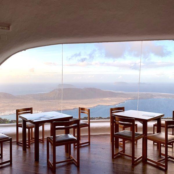 Mirador del Río Lanzarote Restaurant Tische Stühle