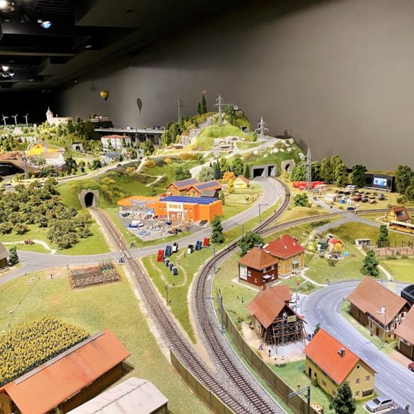 Modelleisenbahn Smilestones Schweiz