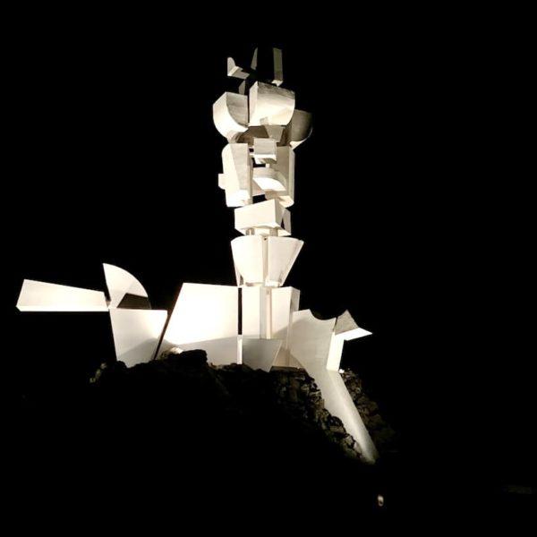 Monumento al Campesino Abend beleuchtet
