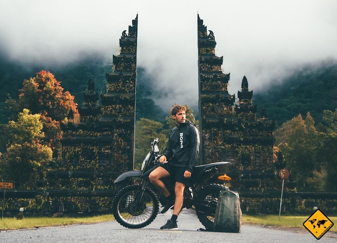 In abgelegeneren Gegenden findest du auf Bali nicht immer eine Tankmöglichkeit. Daher solltest du immer vorausplanend tanken.