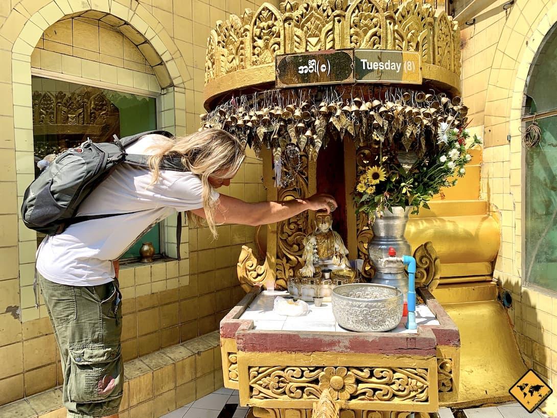 Myanmar Religion Buddhismus Wasser Wochentags-Buddha