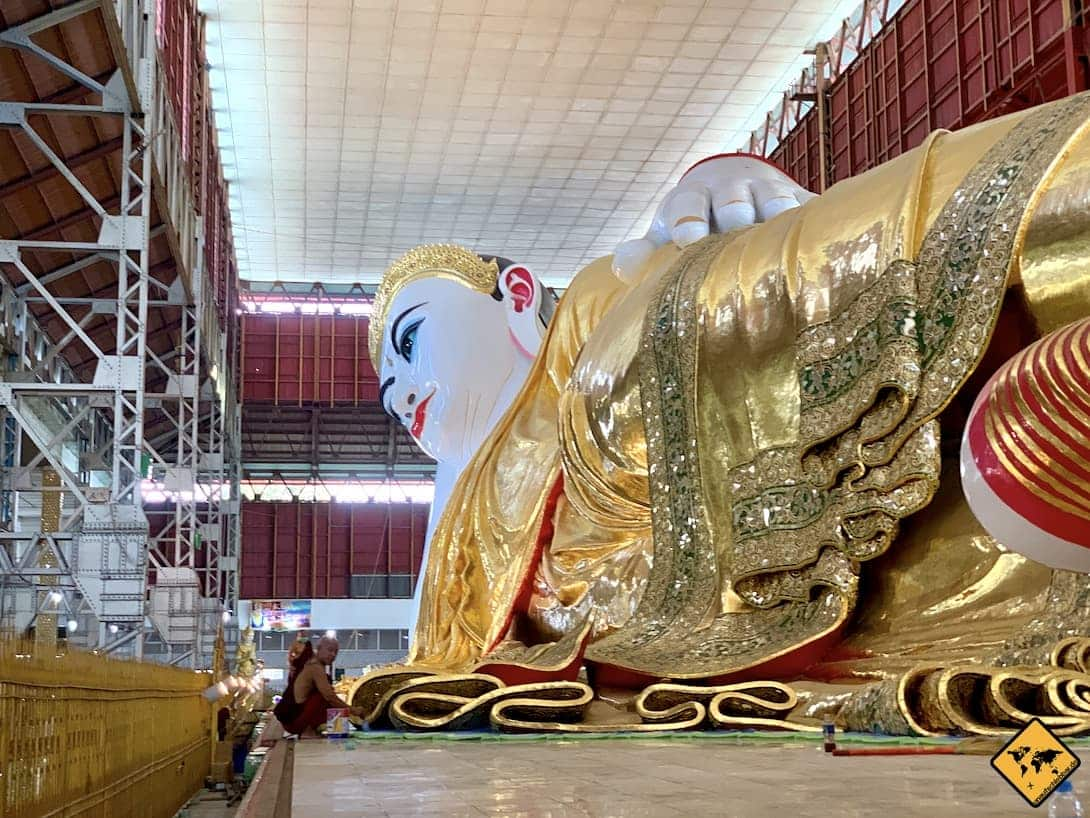 Myanmar Tempel Chauk Htat Kyi Pagode liegender Buddha