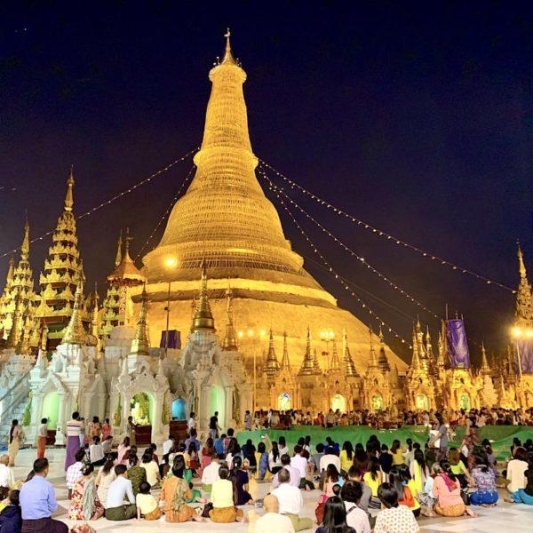 Myanmar Yangon Shewedagon Pagode Abend