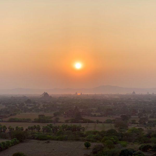 Nan Myint Tower Bagan Sonnenuntergang