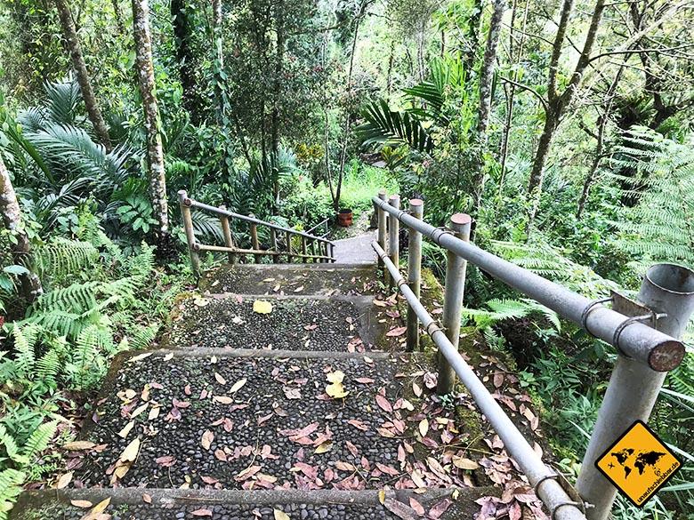 Nungnung Bali Treppenstufen