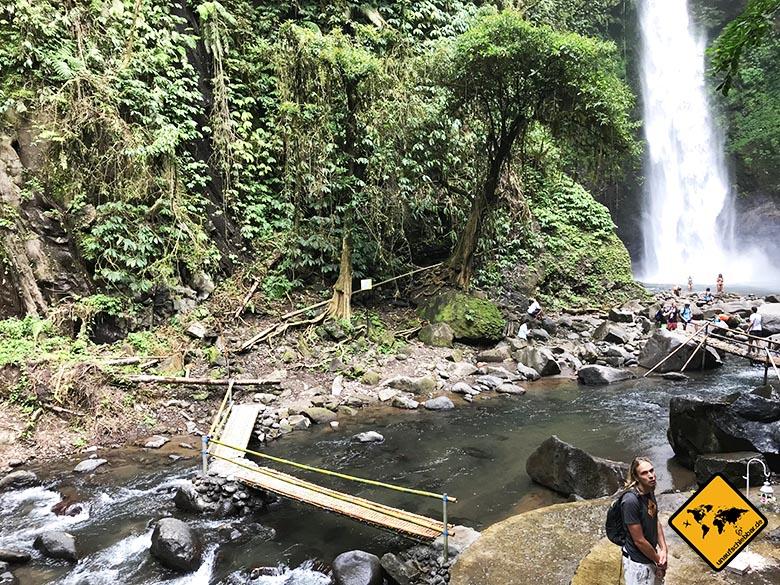 Nungnung Wasserfall Bambus Brücke