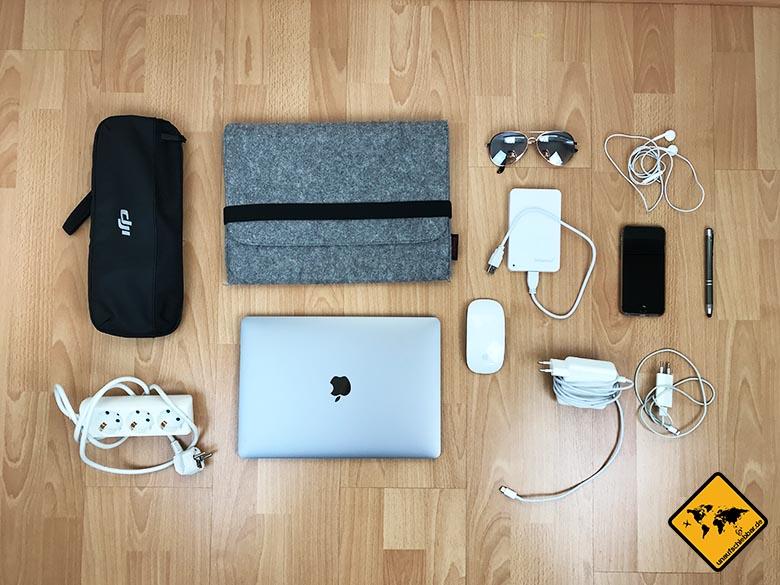 Packliste Urlaub Elektronik Reise Laptop