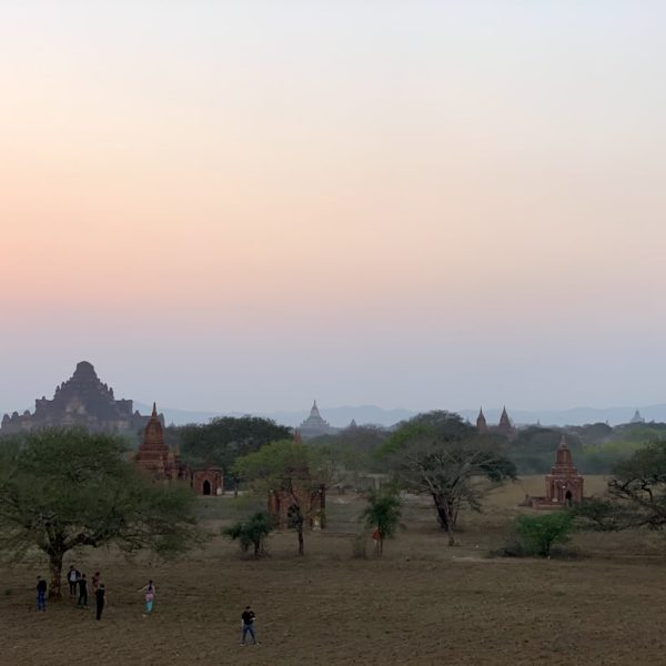 Pagoden Sulamuni Manmade Sunset Hill
