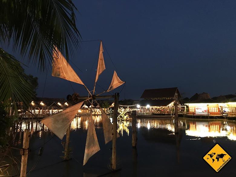 Pattaya Floating Market Beleuchtung