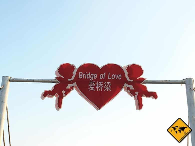 Pattaya schwimmender Markt Bridge of love